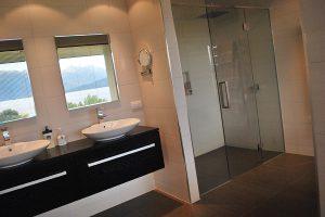 Bang-Bang-Building-Bathroom